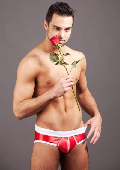 Фото голого мужчины с цветами 7156 фотография